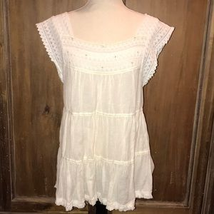 Lace, fringe & cotton/linen blend top